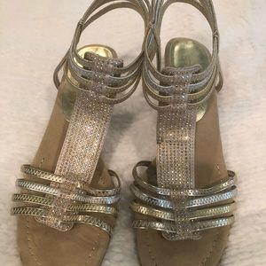 Shoes - Size 6.5 silver/gold heel